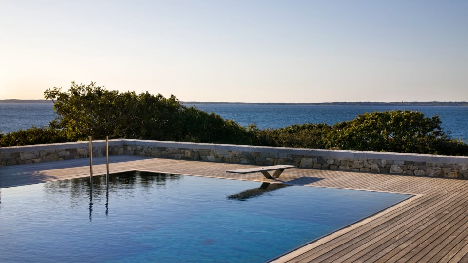10 of the World's Most Beautiful Residential Pools
