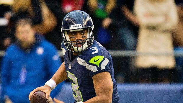 Russell_Wilson_vs_Jets,_November_11,_2012