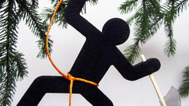 img_9_1352732075_axe-tree