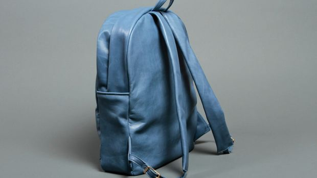 PageImage-487280-4685946-DRAUGHT_SS13_LEATHERBACKPACK_BLUE1