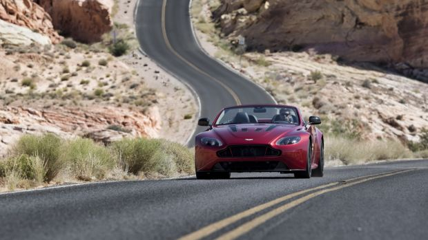 Aston-Martin-Vantage-S-Roadster-10