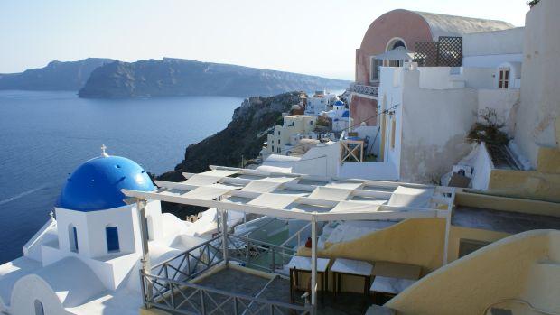 Village_of_Oia_on_the_Greek_Island_of_Santorini.jpg