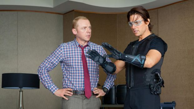 Mission-Impossible-Ghost-Protocol-Simon-Pegg-Tom-Cruise-07.jpg