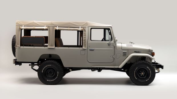 The FJ Company 1981 FJ45 Land Cruiser - Beige 299237 - Studio_02