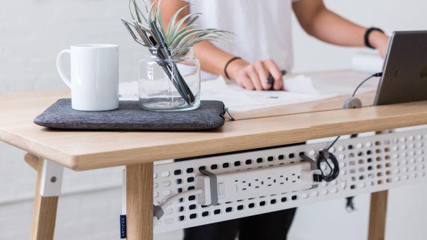 Artifox_Standing-Desk-02_Oak_08