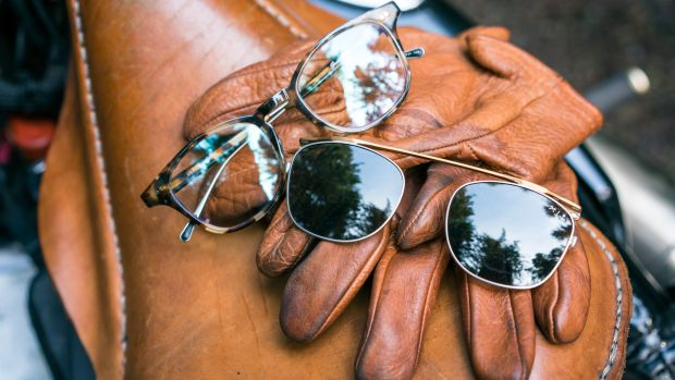 Shwood_x_Iron___Resin_-_Glasses_-_04