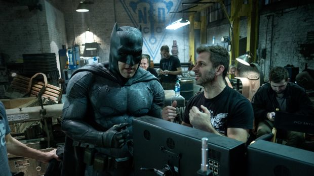ben-affleck-zack-snyder-batman-v-superman-dawn-of-justice-image.jpg