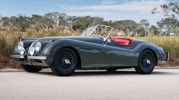 1953_Jaguar_XK120_SE_Roadster-3