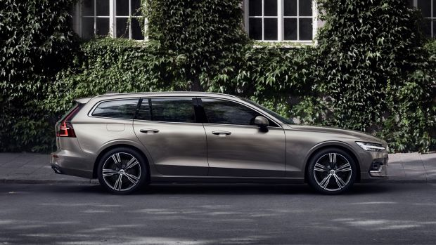 223586_New Volvo V60 exterior