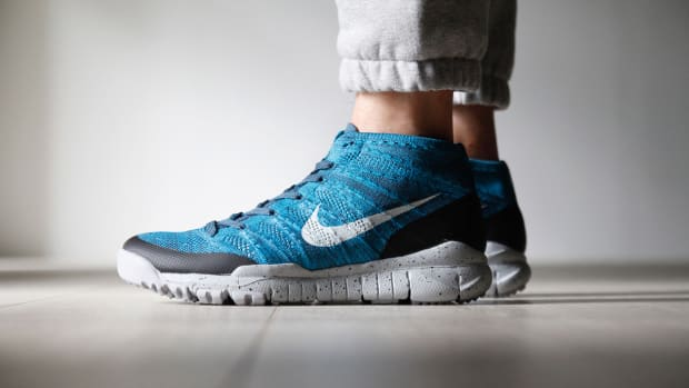 a-closer-look-at-the-nike-flyknit-trainer-chukka-fsb-squadron-blue-1