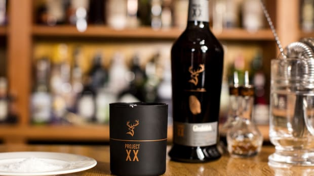 Glenfiddich - Experimental Series, Project XX bottle shot, mood shot on bar High Res JPEG