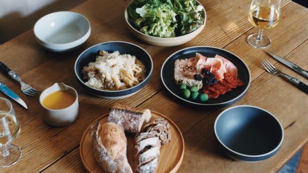 Hasami-porcelain-ceramic-bowl-natural-220x55mm-3