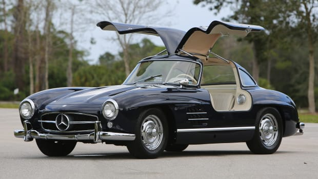 1956-Mercedes-Benz-300-SL-Gullwing_0 (1)