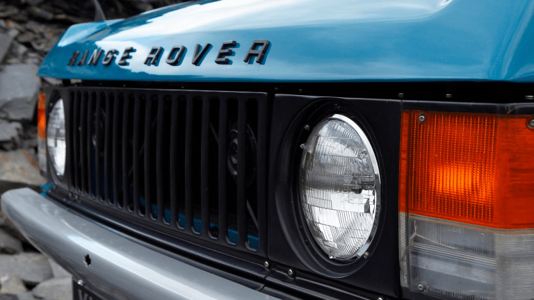 40 Photos Of Glorious Vintage Range Rovers