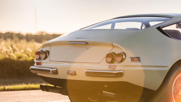 This '71 Ferrari 365 GTB/4 Daytona Berlinetta Is Flat-Out Beautiful