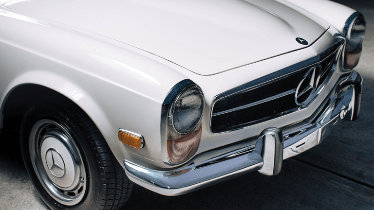 This 1970 Mercedes-Benz 280 SL 'Pagoda' Is Clean, Crisp, and All Class