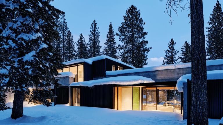 Soak Up This Stylish Modern Mountain Retreat