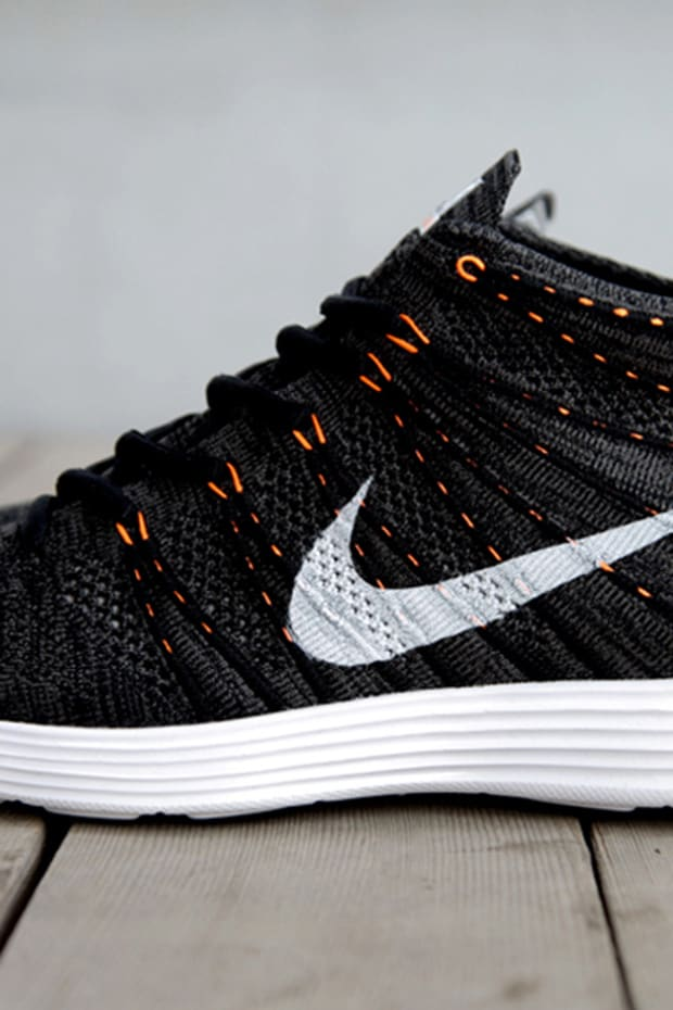 nike-lunar-flyknit-chukka-midnight-fog-black-total-orange-1