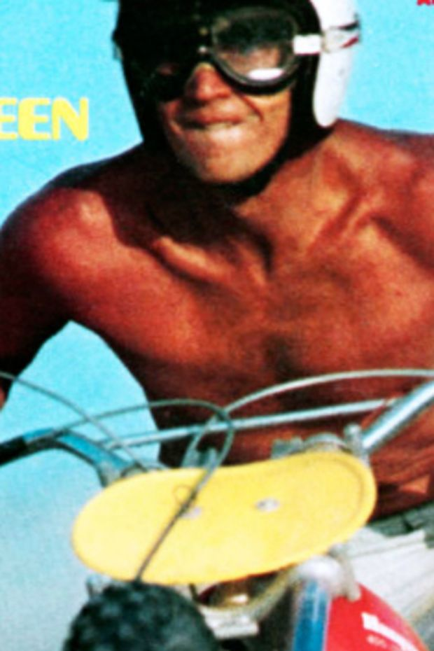 Steve-McQueen-Rhkghvolex-Sports-Illustrated-Motorcycle