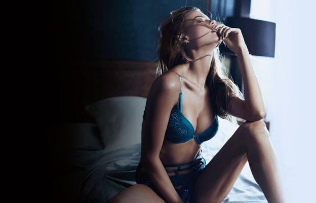 Lingerie-Loving Supermodels Kick Off A Very Sexy Holiday Season