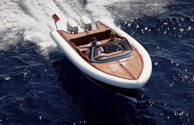 The Super 55 Is A Modern Boat With '60s Era Design