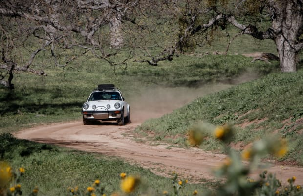 18 Stunning Photos Of The Luftgekühlt 911 Safari In Action