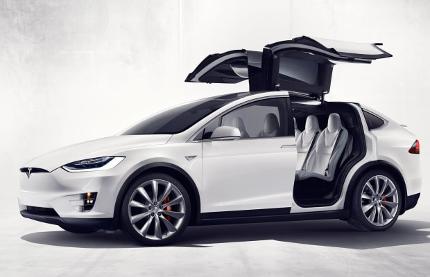 Podcast: Tesla Model X And Taylor Swift Cover Album By Ryan Adams