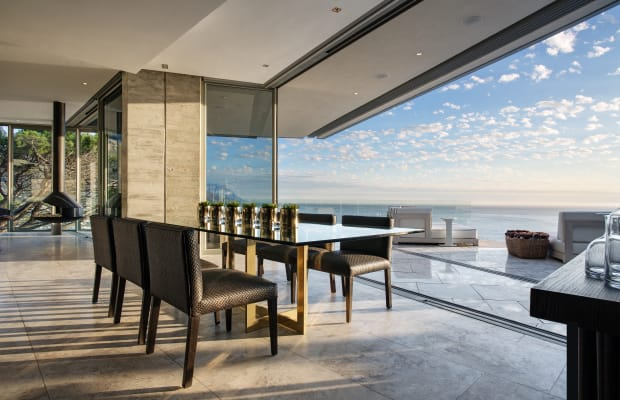 This Extraordinary Cape Town Home Overlooks South African Beaches
