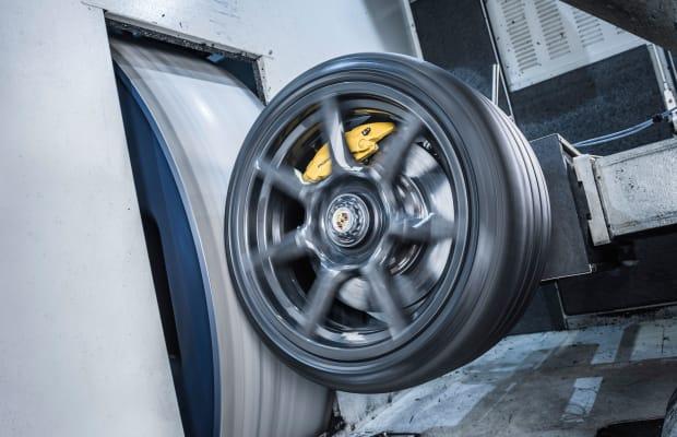 Porsche Premiers Braided Carbon Fibre Wheels