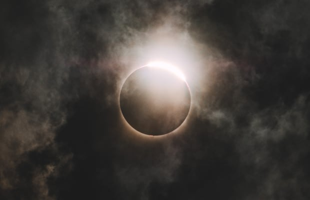 This 4K Footage Gets Up Close and Personal With the Total Solar Eclipse