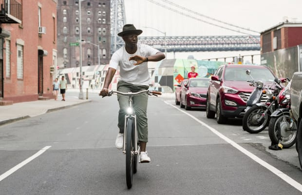 This Modern Electric Bicycle Has the Best Old School Style