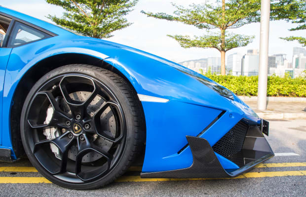 This Insane 1,008-HP Lamborghini Huracan Spyder is a Bright Blue Beast
