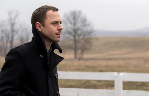 Con-Man Series 'Sneaky Pete' Is Easily 2017's Most Promising Show