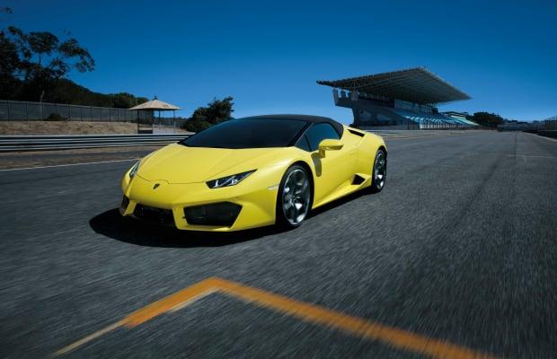 Yellow Sure Looks Sexy In This Lamborghini Huracán Video