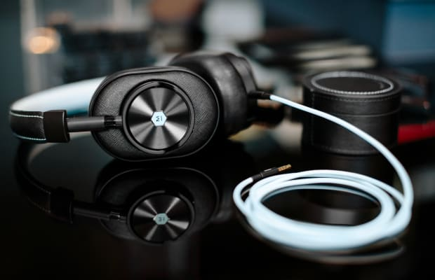 Five Beautifully Designed Audio Gadgets to Make Your Favorite Music Sound Better