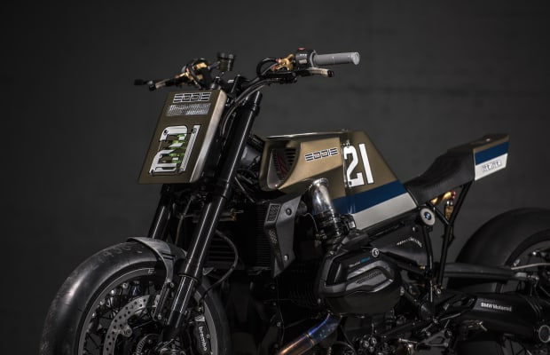 This Custom BMW R1200R Pays Homage to Racing Legend Eddie Lawson