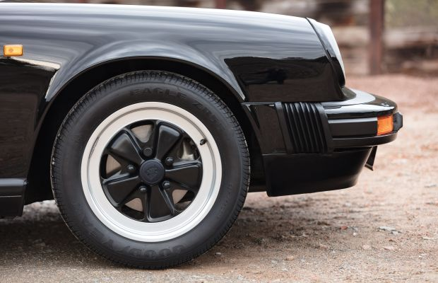 Feast Your Eyes on This All-Black 1989 Porsche 911
