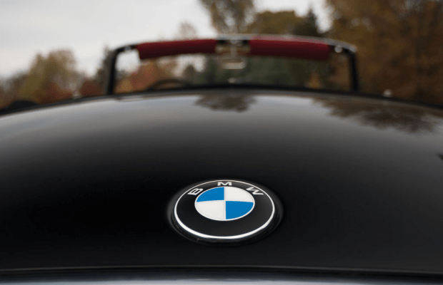 15 Perfect Shots Of A Gentlemanly 1959 BMW 507 Roadster Series II