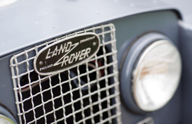 Car Porn: 1957 Land Rover Series I 107 Inch Station Wagon
