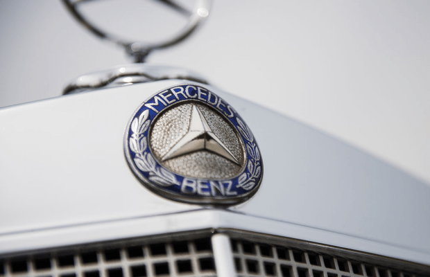 Car Porn: 1960 Mercedes-Benz 220 SE Cabriolet