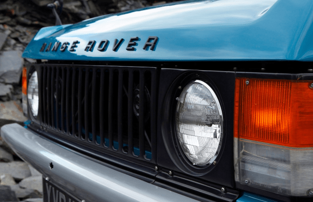 40 Photos Of Glorious Vintage Range Rovers