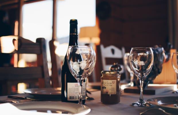 How to Taste Wine Like a World-Class Professional