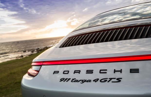 10 Amazing Photos of a Porsche 911 Targa 4 GTS Cruising Cape Town