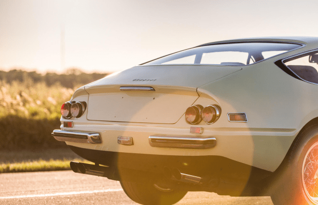 This '71 Ferrari 365 GTB/4 Daytona Berlinetta Is Flat-Out Beautiful