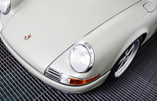Voitures Extravert Drops All-Electric Engines Into Classic Porsches