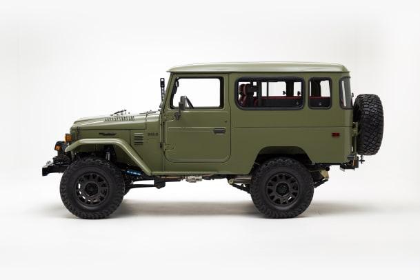 The-FJ-Company-1982-FJ43-109975-Ligth-Olive---Studio_007