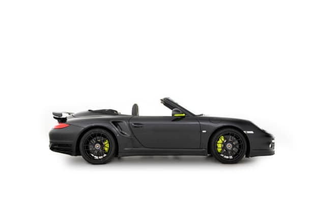 2013-Porsche-911-Turbo-S-Cabriolet--Edition-918-Spyder--_4