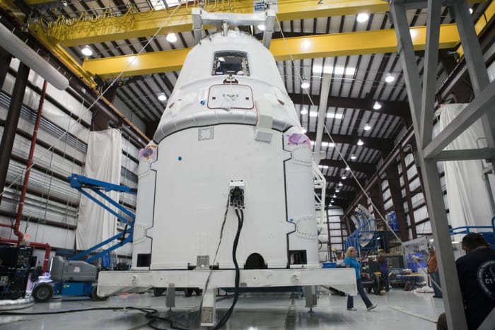 10 Fascinating Facts About SpaceX