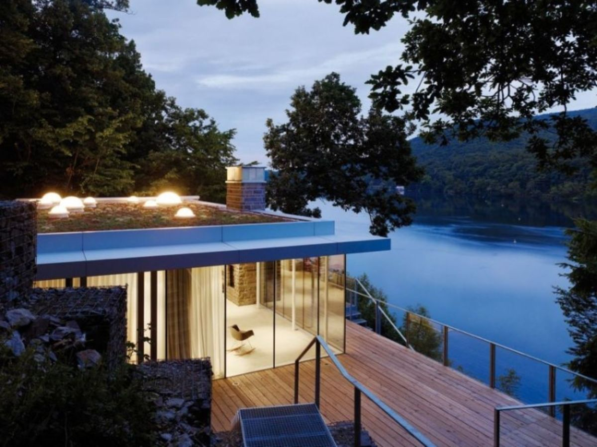 Lake-House-in-Germany