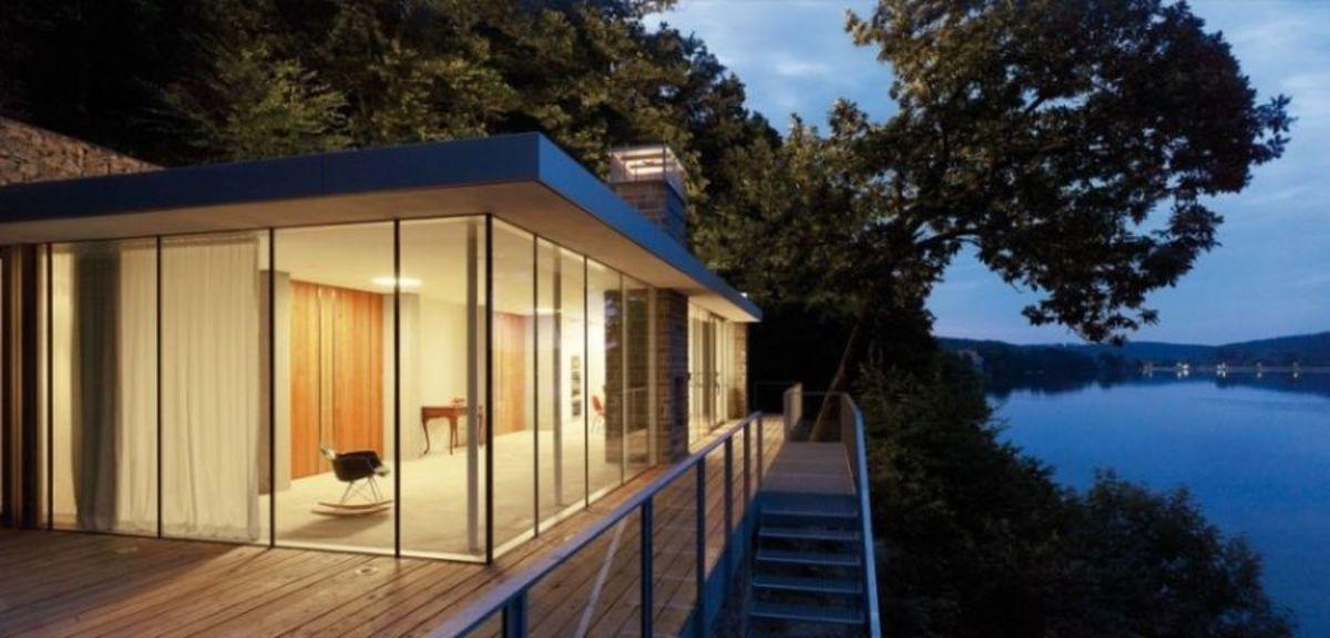 House-overlooking-Lake-Rur-designed-by-LHVH-Architekten